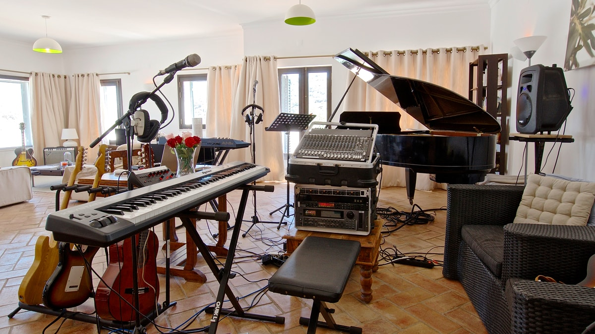 Music Studio For Rent Music Writing Place